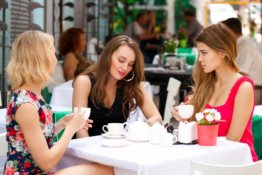 女友達との大人な付き合い方