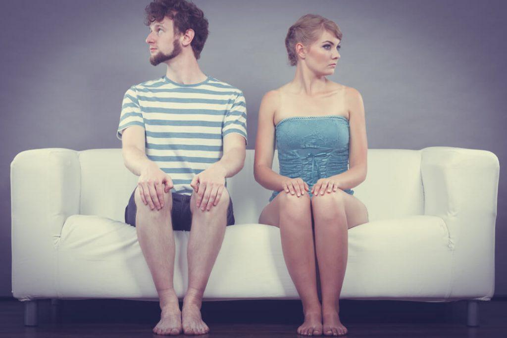 【PMSと人間関係】月経前症候群で辛いときに気持ちを上げるオススメ映画・本の紹介♡