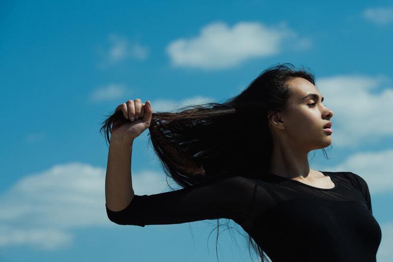 【2017最新版】紫外線を浴びた後のヘアケアでダメージヘアを秋まで引っ張らない!おすすめのシャンプーや美容室並みのトリートメント方法♡