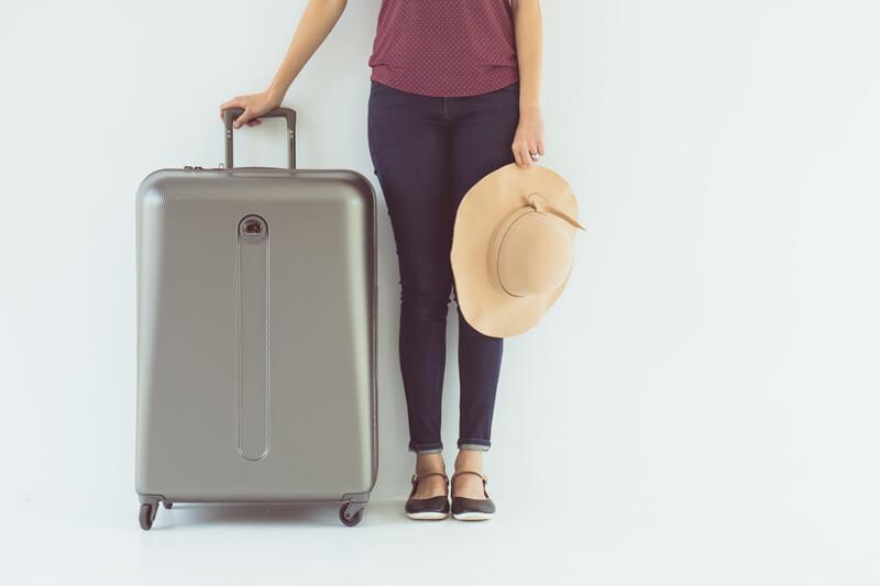 空港の荷物受け取りで、 並んで流れてくる キャリーケース。 こだわって買ったあなたのキャリーは きっと その姿を見つけた時に 少しだけ自慢気な気分になること 間違いなしです! 一度買ったらなかなか、 買い換えることも少ない物ですし 一生のお付き合いになるかもしれない 旅の相棒です♡ なので、 とことんこだわって探してみてくださいね! みなさんのお気に入りの キャリーケースが見つかること 祈っています!