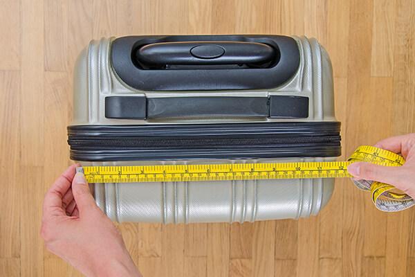 機内持ち込みスーツケース・サイズ